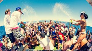 Cairns Schoolies Packages